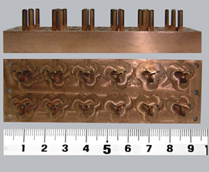 モールド金型用の電極です。ワイヤー放電加工です。